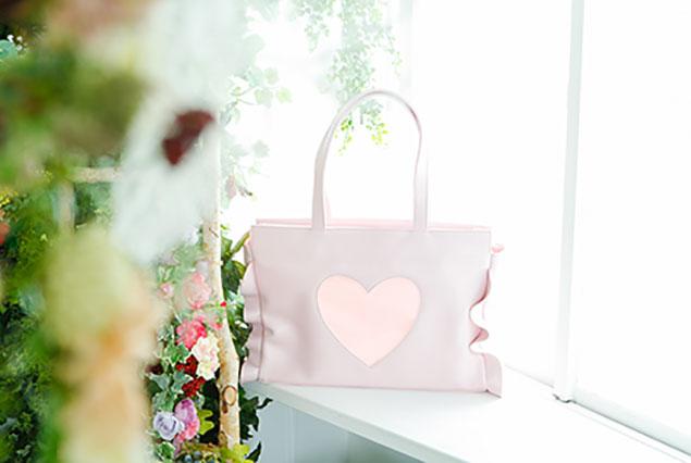 ファンファンシー+の可愛いデザインの痛バッグ